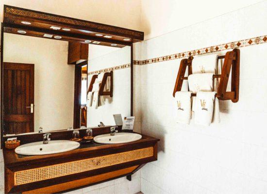 Bathroom Vanila Hotel Nosy Be